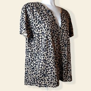 Zara | priest vneck leopard cheetah print tee